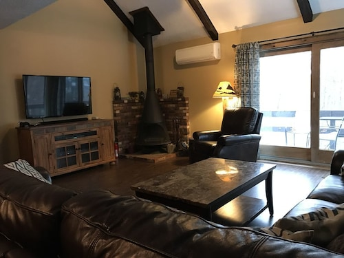 Ski-on/off Camelback Mtn,2 min Walk to Slopes,snow Tubing,paintball,casino,cbk