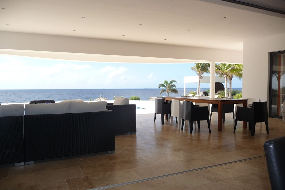 , Luxury Oceanfront Villa With Private Beach and Home Cinema