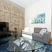 Vibrant 2BR in Wrigleyville by Sonder