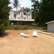 Gorgeous Lake Home w/ Game Room Fireplace Wkends 2 nts W/3rd Free Wifi Slps 18