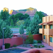 Bell Rock Vista - Hot Tub, Great Location, Red Rock Views, Golf Discounts
