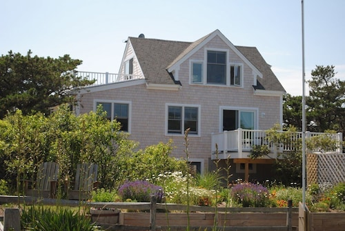 Newly Built Ocean Cottage With A/C