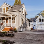Beautifully Decorated 1907 Victorian Farmhouse. Close To Downtown Adidas, UOP