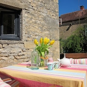 Lucy's Hideaway, A Boutique Retreat for 2 set in a Charming Burgundian Village