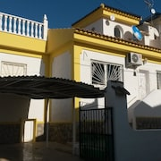5 P.villa, 10 Min. to sea + Stunning Views Over Salt Lakes Special Monthly Rates