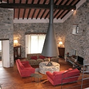 Ancient mill on the river,in the woods of Tuscany. Swimming pool, gym, wi-fi