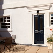 Lymington High Street, Town House, Sun Terrace, Parking, Solent Views, Wifi