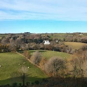 Modern 2 bed Apartment With Stunning Countryside Views in Fowey