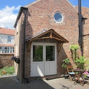 Cottage in Pocklington Near York With Log Burner, Wi Fi And Off Street Parking