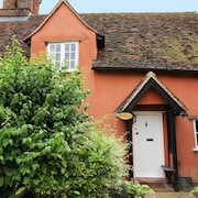Cosy and Romantic Suffolk Cottage, 15th Century Grade 2 Listed and dog Friendly