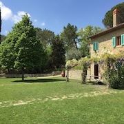 Charming Farmhouse With Pool Between Florence and Arezzo