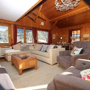 Luxurious 6 Bedroom Chalet. 800m to Lifts; Fantastic Views. Wi-fi; Sunny Garden