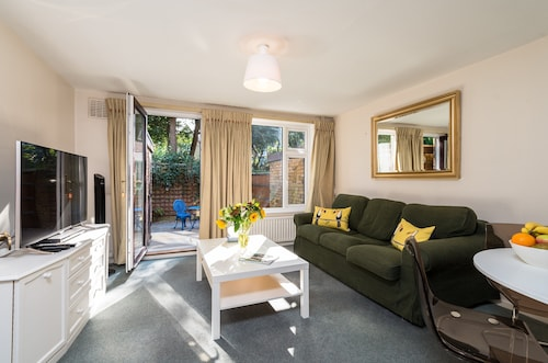 London Putney Super House, Parking, 2 X King Beds + Ensuite - Great Place TO STA