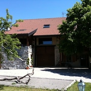 Centrally Appointed Mountain and Lake Geneva Location for Your Perfect Holiday