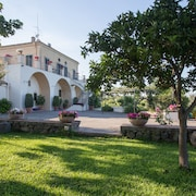 Exclusive Villa With Pool, Stunning sea and Etna View Near Catania/taormina