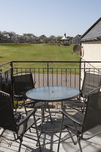 Balcony, Atholl Cottage on Nairn Links: Sea View From all Rooms