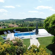 La Casa Blu, Villa With Private Swimming Pool in Monferrato Langhe, Unesco Heritage