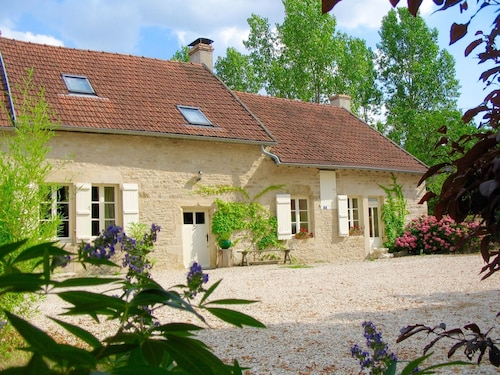 Beautifully Restored Farmhouse, Magnificent Views in Central Burgundy