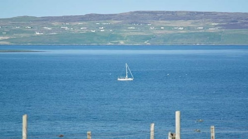 Deo na Mara - Family Friendly Cottage With Uninterrupted View Over Loch Dunvegan