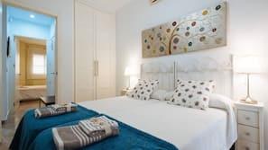 2 Schlafzimmer, Zimmersafe, Bügeleisen/Bügelbrett, WLAN