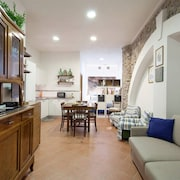 The Lorenza Winery Vernazza Private Apartment in Center Village