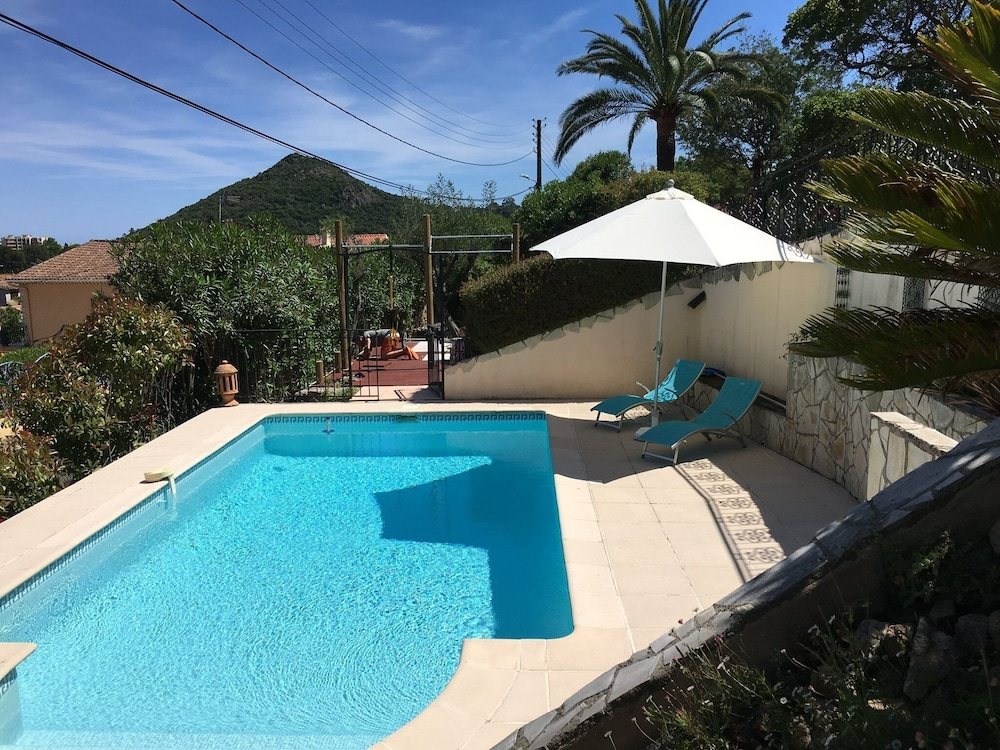 3 Rooms With Swimming Pool; Pergola for 4 People Near Cannes ...