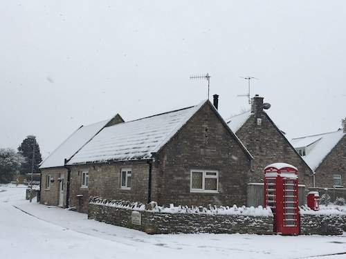 The Old Telephone Exchange 4 Self Catering Cottage en Corfe Castle Village