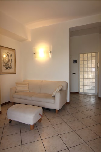 Milan: Nice Apartment in the Green Near Expo-rho Fair. Private Parking and Wifi. Just Minutes From the City Center