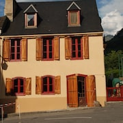 Superb Holiday Home Sleeping up To14 in Heart of the Hautes-pyrenees