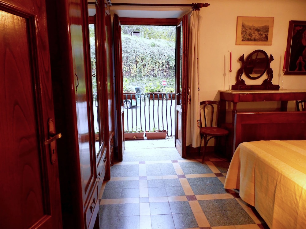Apartment poesia bedrooms pool and garden in bagni di lucca