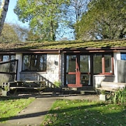Woodland Chalet Close to Amazing Beaches & Free On-site fun Facilities!