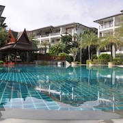 Lux. Beach Front Apartm. W. Wooden Deck In a 5* Resort On Phuket´s Best Beach