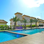 Luxurious Apart With 2 Beds, Terrace, Wifi, A/c, Pool, Spa, gym and 5 min to Beach