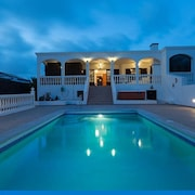 Meerblick-villa in Playa Blanca, Beheizter Pool, Whirlpool, Wifi, Zentrumsnah, Privat