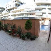 Nice Apartment With Free Private Parking - Pool