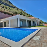 Luxury, Comfort, Privacy, Heated Pool and Stunning sea Views