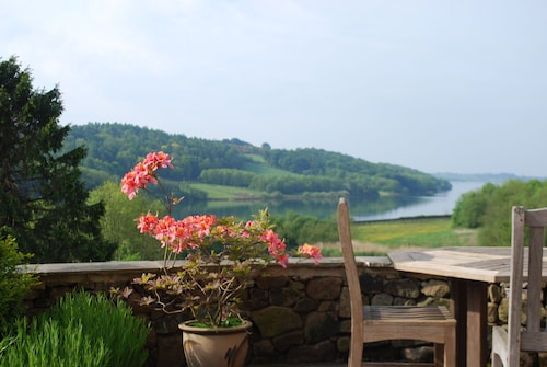 Peak District Luxury Cottage,wifi, Stunning Lake Views Over Carsington