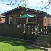 32 Lakeside, South Lakeland Holiday Village, Carnforth, LA6 1BH