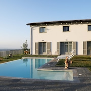 Charming Villa & Pool Unesco Among the Hills of Monferrato ... Breathtaking View !!