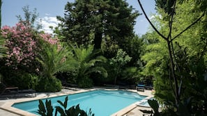 Piscine extérieure, piscine chauffée