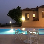 Villa With Pool, Wifi, Near the Beach, and Great Views. Best Ubication