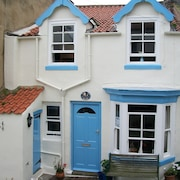 Cosy Cottage in Staithes. North Yorkshire Moors Coast. Weekend Breaks Available