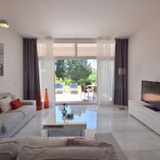 House, 3 Terraces, Directly on Golf Course, Swimming Pool, Tennis. Close to Beach