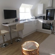 A Superb Studio Apartment Ideally Situated for Touring the Heart of England