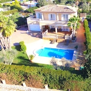 Magnificent Villa With SEA AND Mountain Ideal FOR Families With Pool