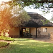 Ukutula Lodge & Game Reserve