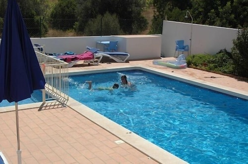 Large Beautiful 3 Bedroom Apartment With Garden / Pool