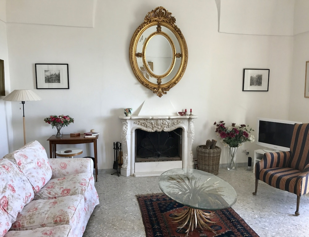 Romantic Apartment With Olive Grove in Irsina Historic Hill top Town ...