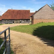 Beautiful Sussex Barn in the Vale of Ashburnham Sleeps 10