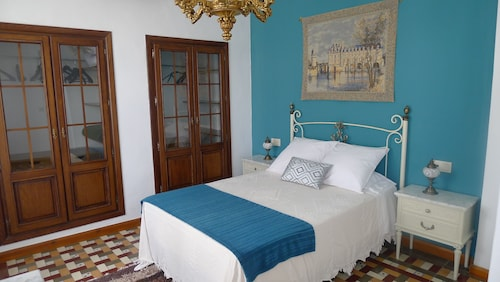 Beautiful Andalusian House, With Typical Patio, Ideal to Visit Granada, the Alhambra
